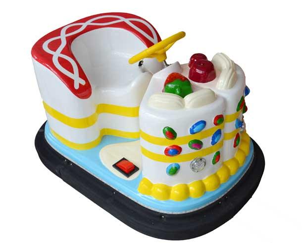 蛋糕碰碰车白色